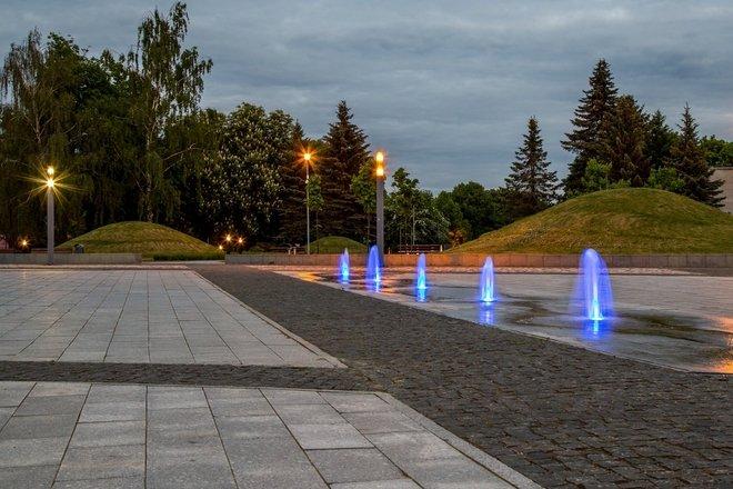 Pirmojo Alytaus istorinės aikštės fontanai