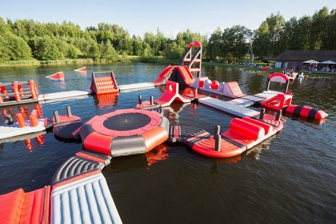 "Park trampolin wodnych ""Daugų sala"""