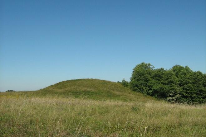 Bazorų piliakalnis