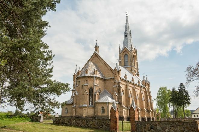 Nemunaičio Švč. Mergelės Marijos Gimimo bažnyčia