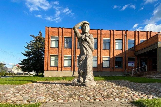 Pomnik poświęcony rozrzuconym po świecie dzieciom Krainy Simna