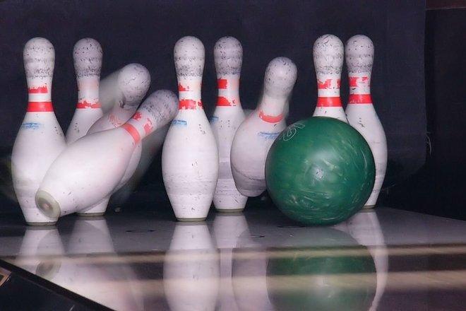 """Bowling and billiards """"Juoda katė"""""""
