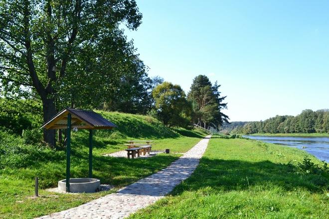 Obszar rekreacyjny w Nemunaitis w pobliżu Niemna